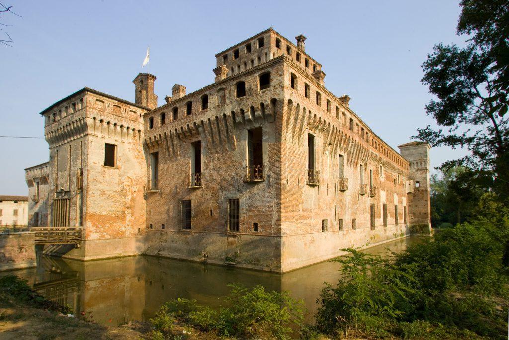 Castello-di-Padernello-Esternojpg