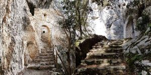 Gli Eremi rupestri della Bassa Sabina