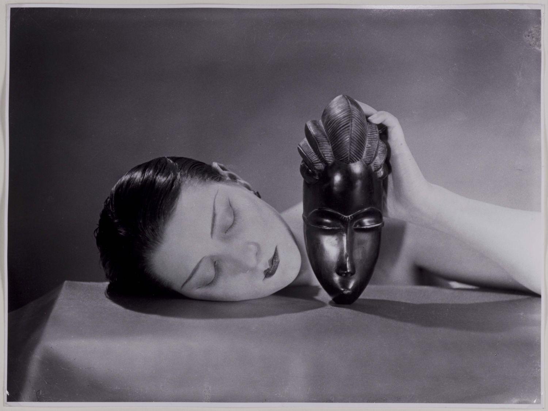 Noire-et-blanche-1926-fotografia-photograph-new-print-1980-C-Man-Ray-Trust-by-SIAE-2018