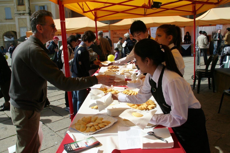 VerySlow2015-degustazioneIstScappi-piazzaXXSettembre