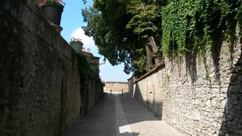 Volpedo_muro_del_castello