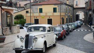 Raduno di auto e moto d'epoca