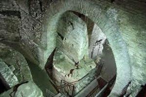 L'antico quartiere del Trastevere: dai sotterranei della Chiesa di San Crisogono alla Chiesa di San Cosimato