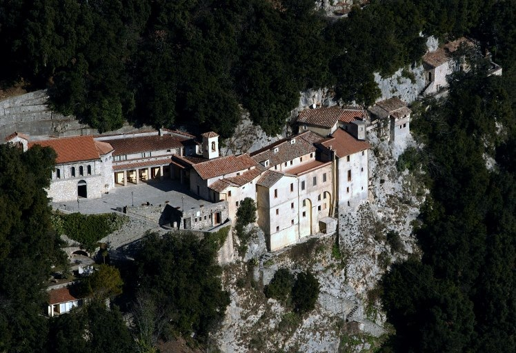 visit_greccio_santuario_greccio_panorama2_0