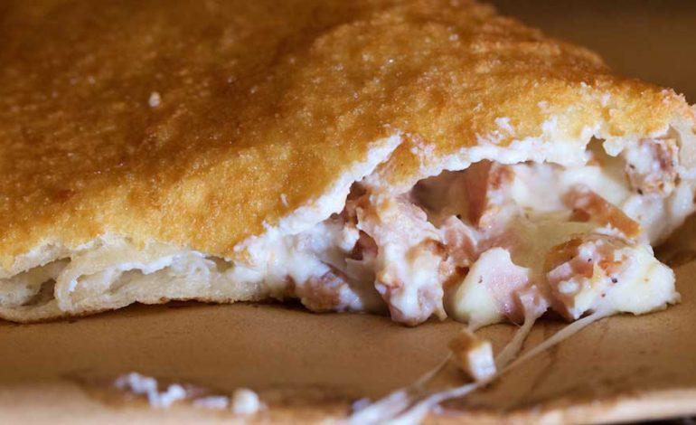 Antica-Pizza-Fritta-da-Esterina-Sorbillo-16-770x470