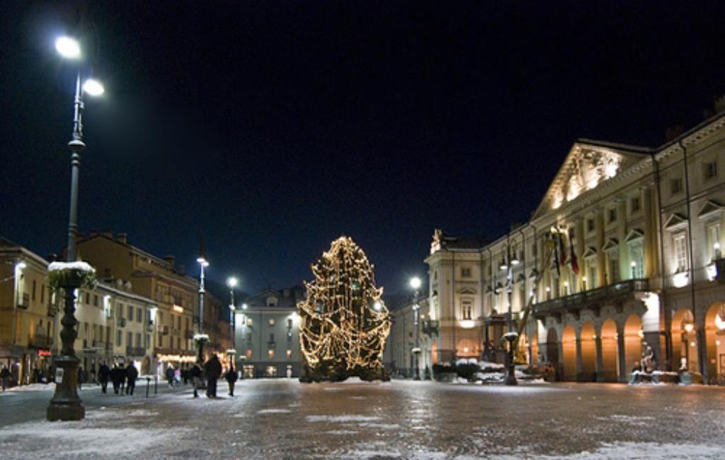 Mostra-mercato di Natale in Piazza Chanoux