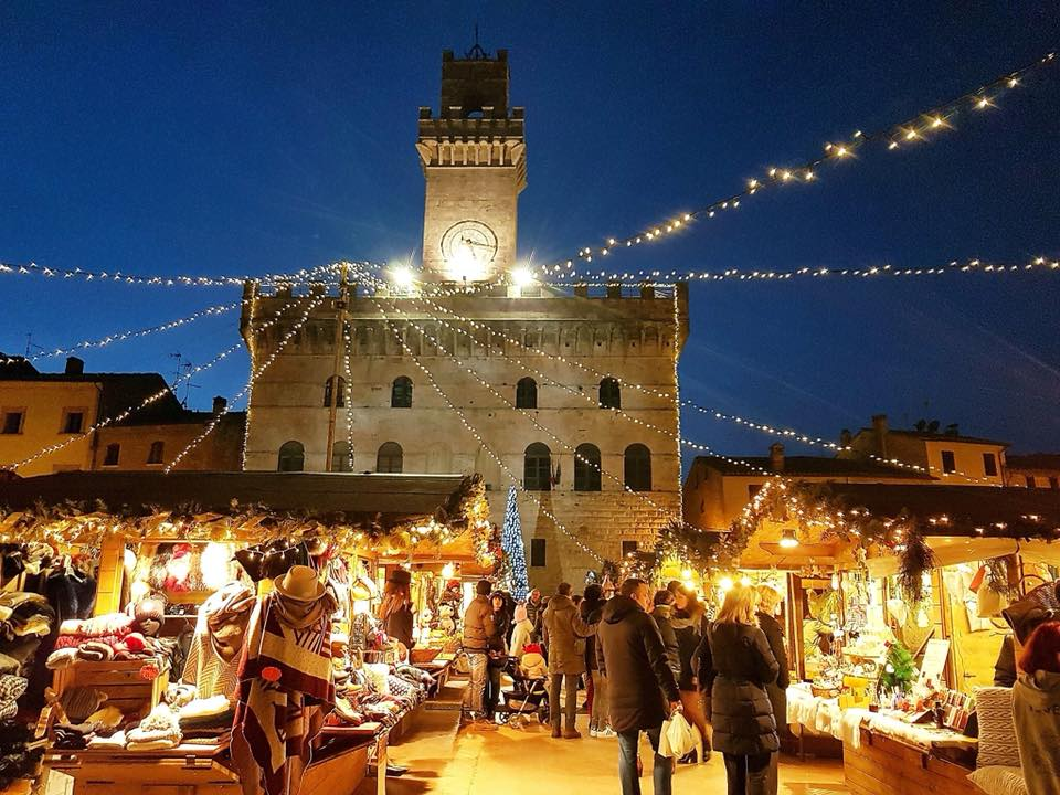 Mercatini e Castello di Babbo Natale a Montepulciano