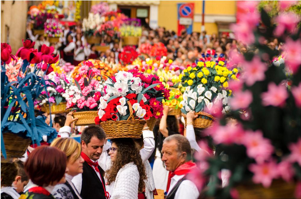 Festa dei Banderesi - Sfilata dei Carri e dei Canestri