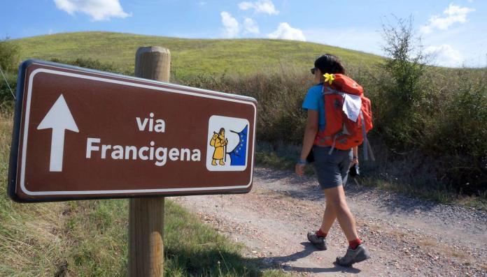 Passeggiata lungo la Via Francigena del Sud